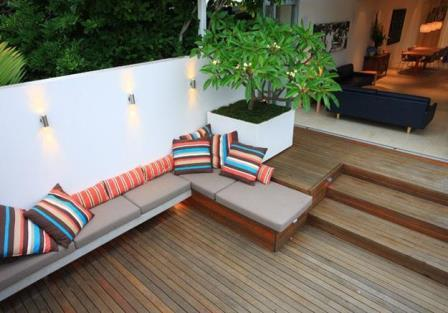 small-backyard-decks-landscaping-ideas-with-interesting-design